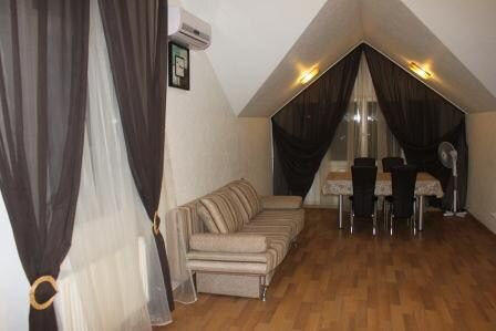 A house for daily rent in Kharkov with a Russian bath and a swimming pool