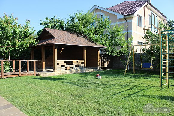 100$ Cozy cottage for daily rent in Kharkiv
